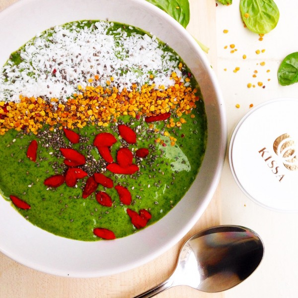 Smoothie, green smoothie, grüne Smoothies, vegan, grüner Tee, Match, goji, superfoods, kokos, Smoothie bowl