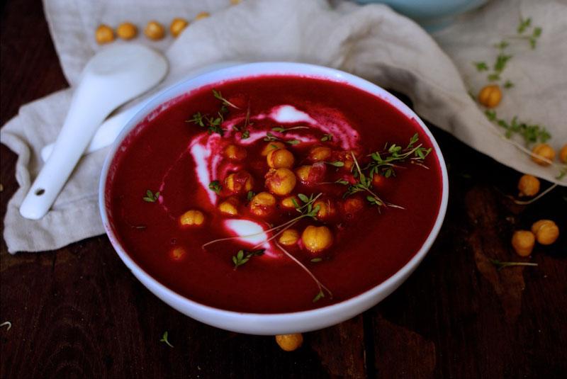 foodblog graz, vegetarischer foodblog, Österreich, foodblogger österreich, vegetarisches Rezept, vegan Rezept, rote bete, rote Rübe, Suppe, vegan, glutenfrei